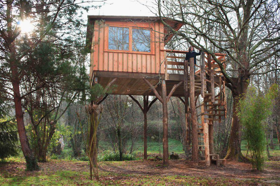 Verticama construction de maison en bois massif extensions exemples de construction d - Maison bois pilotis ...